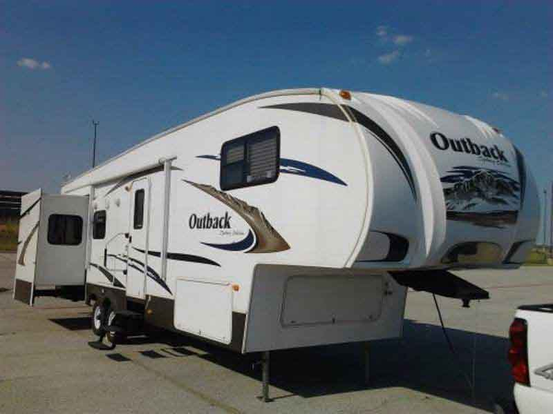 Fifth-wheel Trailers